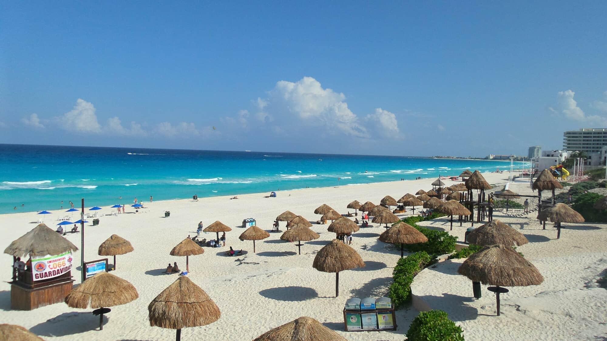 Playa Delfines - Excursiones en la Riviera Maya