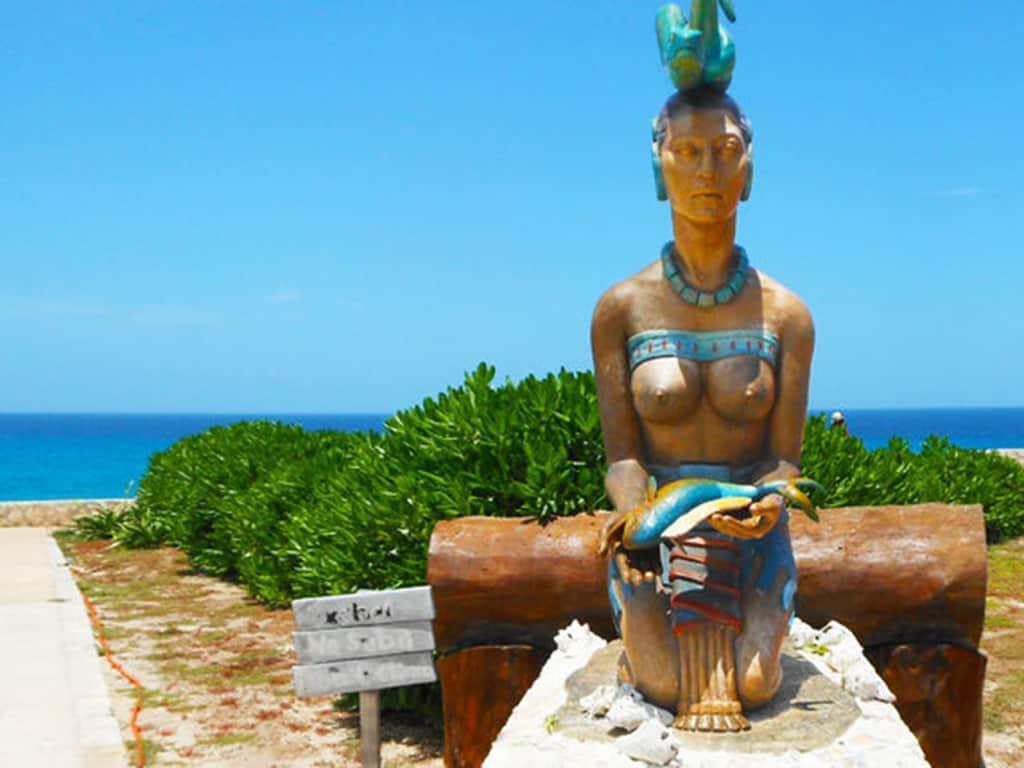 Estatua diosa Ixchel